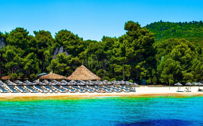 Island hoping in Northern Sporades